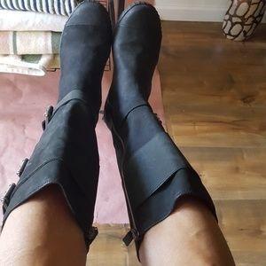 Cole Hann women suede black boot with foam cushion